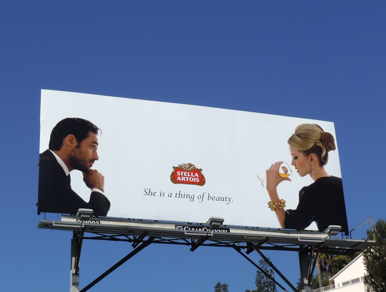 billboard advertising Stellar signs is the cottage country leader in providing complete solutions for out-of-home advertising.